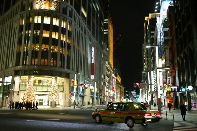 タクシー広告とは