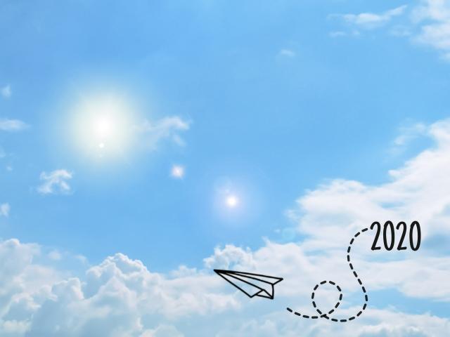 紙飛行機と空の画像