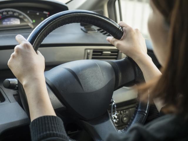 女性ドライバーの画像