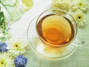 紅茶と花の画像